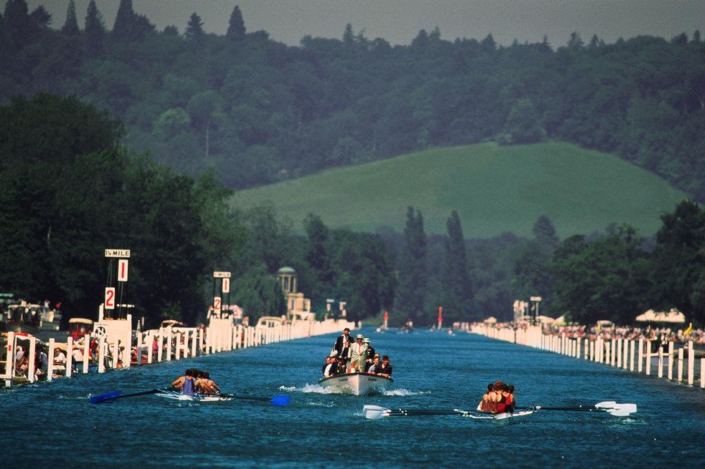 2-boats-racing.jpg