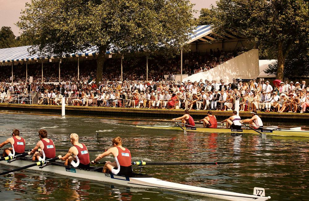 boats-spectators.jpg