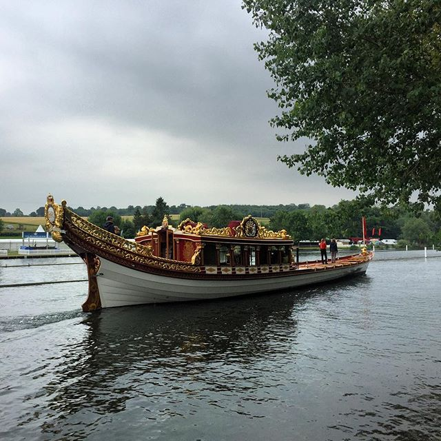 A royal visit from #gloriana this afternoon! #henleyregatta starts tomorrow!