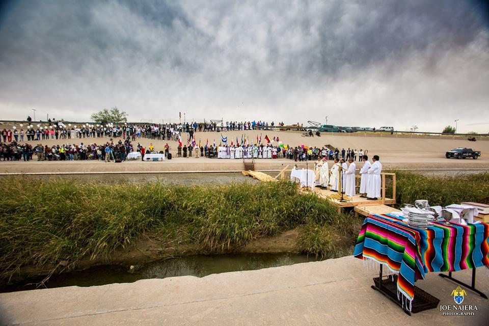Border Mass 2017[72].jpg
