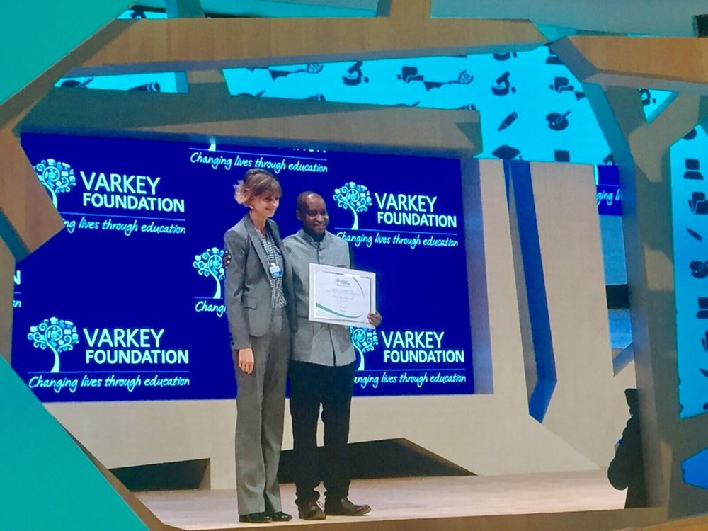Kassaga proudly receiving the Early Stage Education Innovation Award from the Varkey Foundation at the Global Education Skills Forum, March 2017 in Dubai, U.A.E.