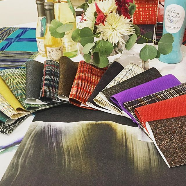 When @knolltextiles shows their new collection, the whole team shows up!  Gorgeous new textiles and wall coverings. @adams.brandie always brings style and ... wine. #textiles #knoll #interiors #interiordesign