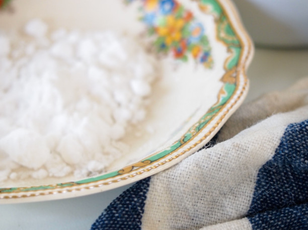 how to clean enamelware stains