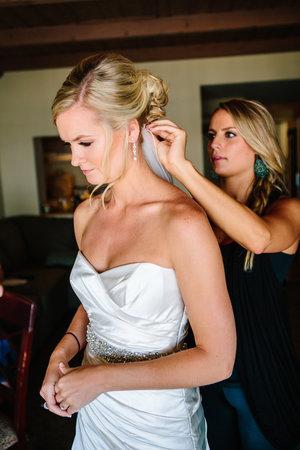 Hannah+Brendan+Wedding-Getting+Ready-0129.jpg