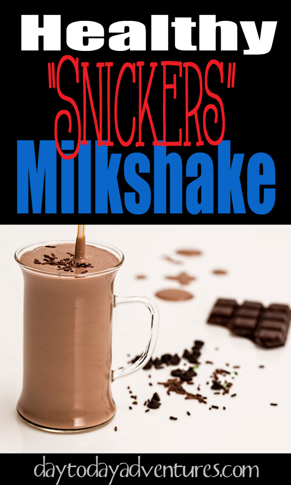 Do you love smoothies?  How about snickers?  Yes this combine the best of both worlds!  Low carb, high protein healthy shake - DaytoDayAdventures.com