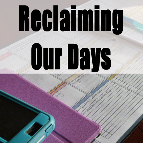 Using a schedule in our school has helped us to get on track and get things done - DaytoDayAdventures.com