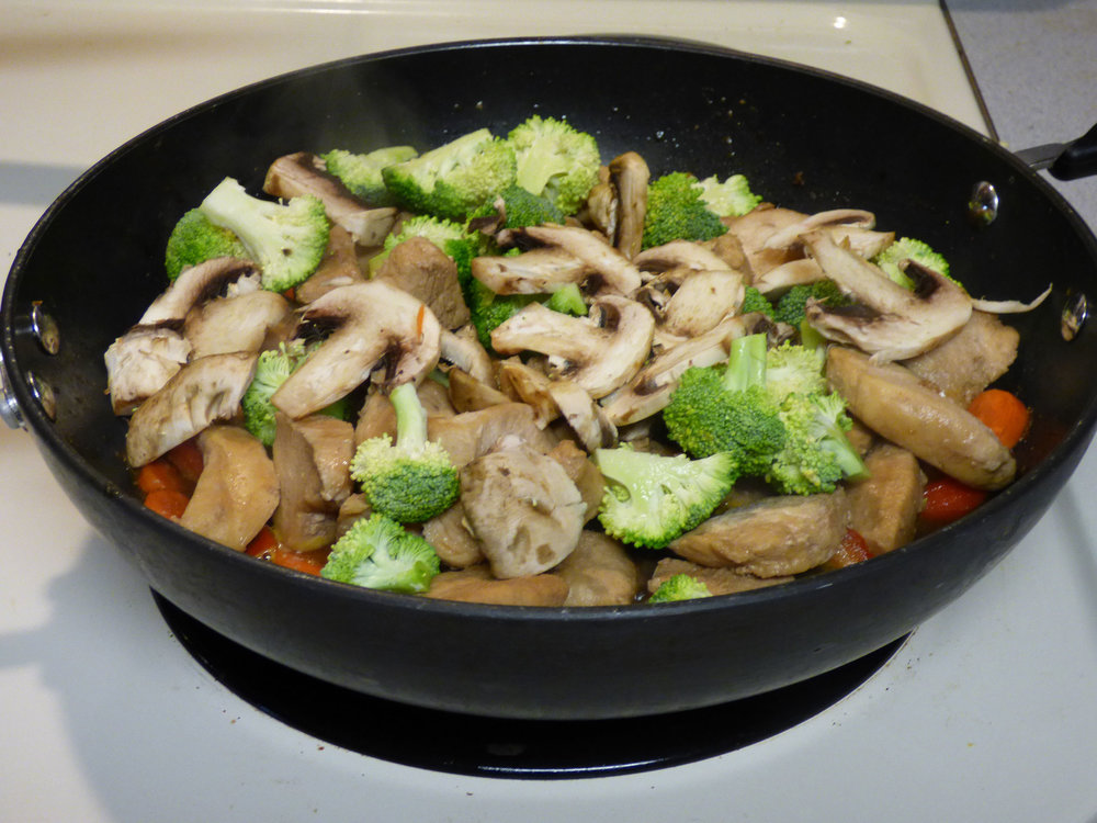 Gluten Free Sugar Free Teriyaki Chicken Stir Fry with Vegetables - DaytoDayAdventures.com