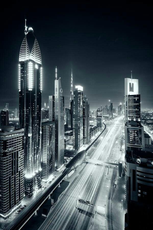 Sheikh Zayed Road ( Image Source: Medubai)