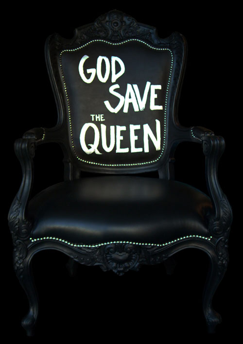 """""""God save the Queen"""""""