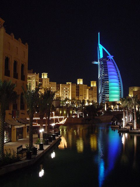 Night View of Burj al Arab Hotel from the Madinat Jumeirah (Image Source: Flickr)
