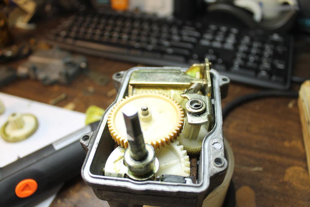 4 - YOSlSR3 - Actuator - Gears.jpg