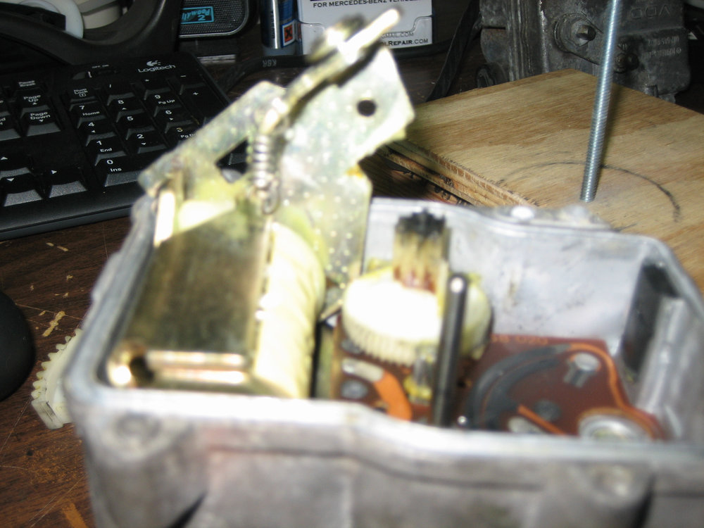 Actuator - Replacing the Drive Gear