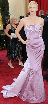 charlize-theron-2010-oscars-red-carpet.jpg
