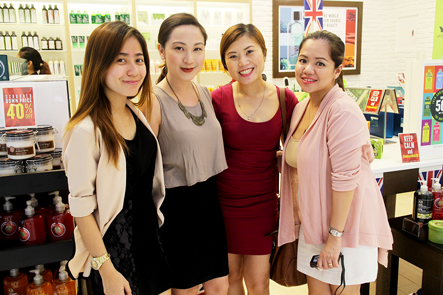 The Body Shop's Anne and Danica with myself and Shen at the Body Shop shopping event