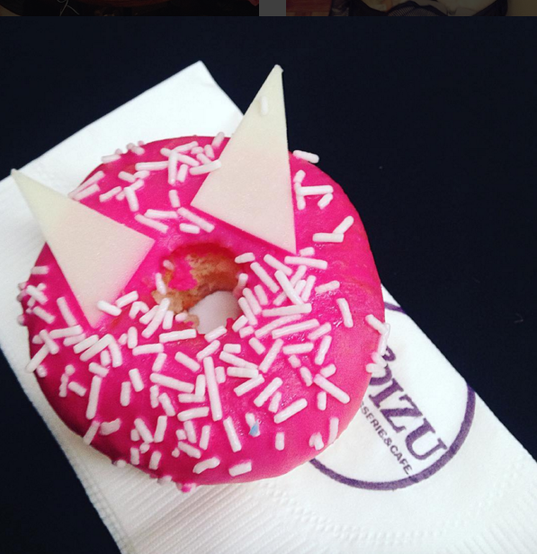 This cat-inspired donut at the MAC Ariana Grande Launch <3