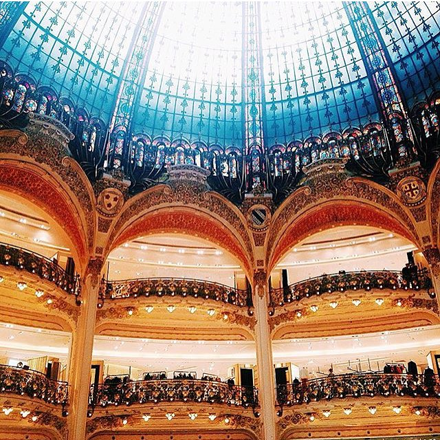 A year ago in #Paris at one of my most favorite shopping places in the world: Galeries La Fayette.  #ShareYourStory #vscocam #Paris #TaraTravels #Travel