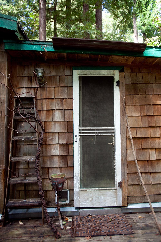 cabin-woodsy-rustic.jpg