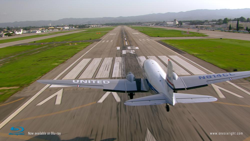 DC-3 landing 1.jpg