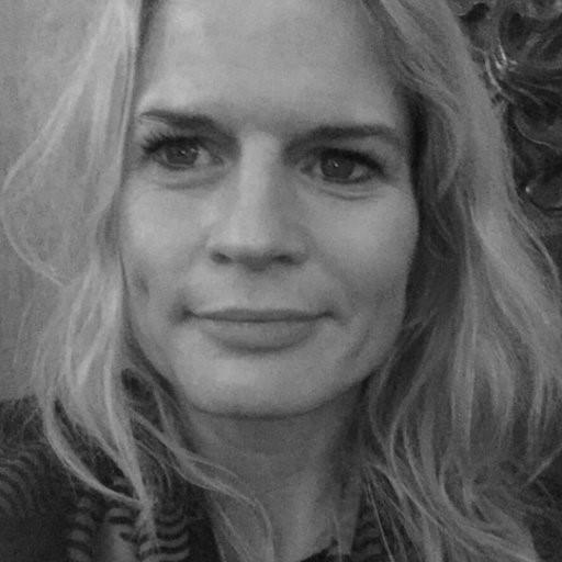 Ingrid Lundeberg - Ingrid Lundeberg er rettssosiolog, seniorforsker ved Norce, redaktør for Tidsskrift for Velferdsforskning, og seniorrådgiver for rusreformutvalget. Hennes forskning på rus- og strafferettsfeltet er omfattende og omhandler blant bruk av tvang mot rusmiddelavhengige, politikkutforming og tverrsektorielle tiltak knyttet til innsatsen mot illegal rusmiddelbruk og åpne russcener, soningsforhold og tilbakeføring av lovbrytere etter endt soning av fengselsstraff.