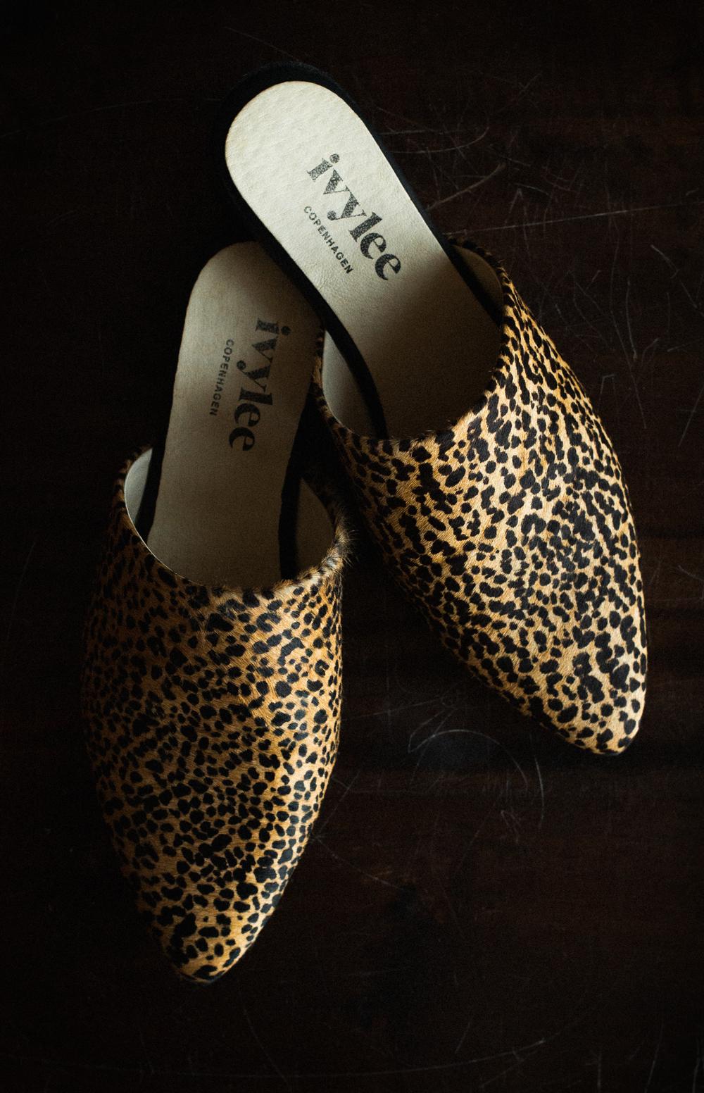ivylee copenhagen leopard print slides.png