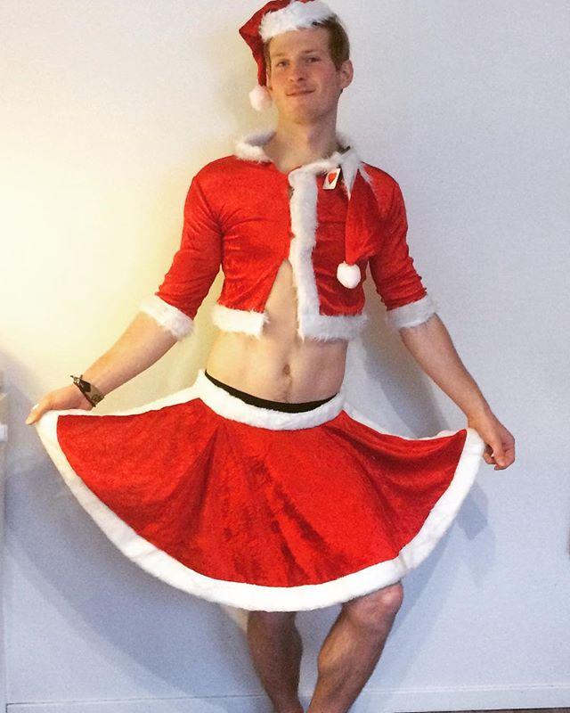 Julenissen er klar for morgendagens julebord. Er du?