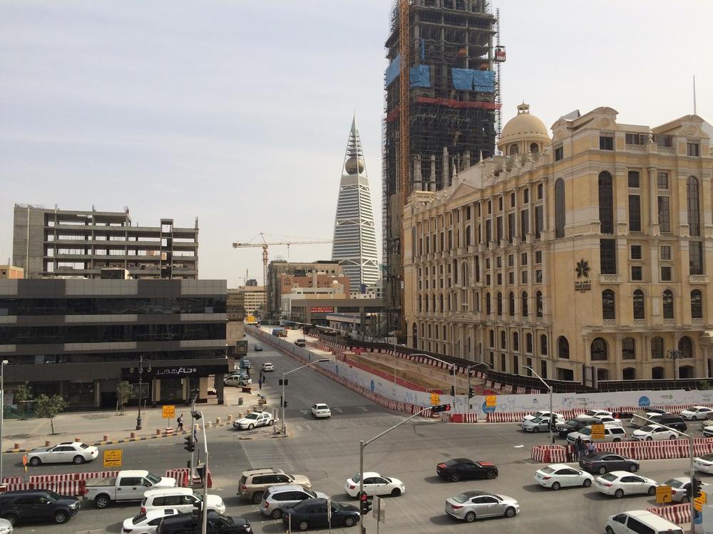 Na koniec widok z drugiej strony. Tak wygląda Riyadh - ciągle coś budują