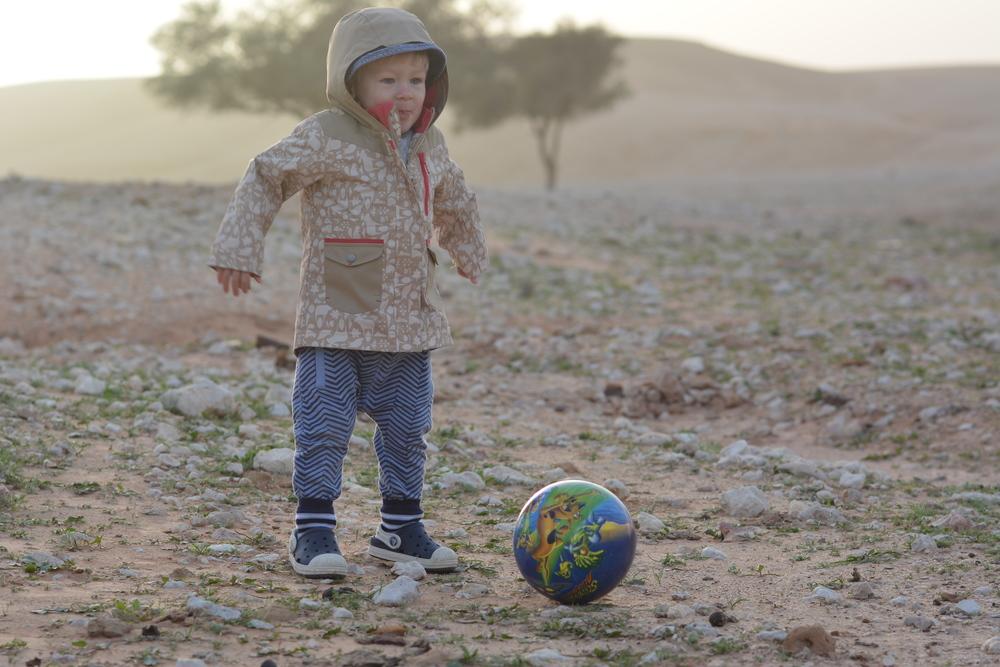 Zimno nie odbiera ochoty na kopanie piłki ;)
