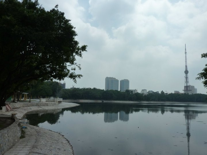 Wspomniane jezioro w centrum Hanoi - bardzo popularne miejsce, gdzie organizuje się różnego rodzaju święta, punkt spotkań znajomych, rodzin, zakochanych.