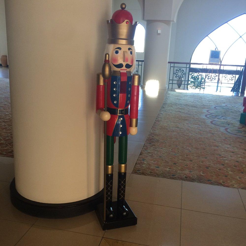 Takie figurki witały na wejściu gości hotelowych.
