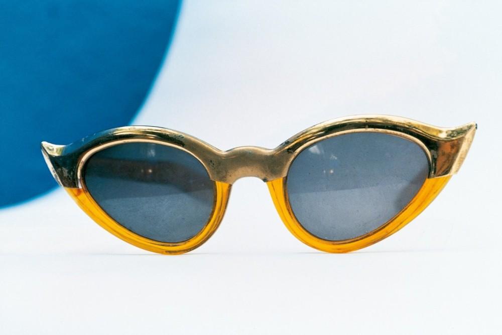 "Cat-eye sunglasses that belonged to Frida© Ishiuchi Miyako ""Frida by Ishiuchi#50"""