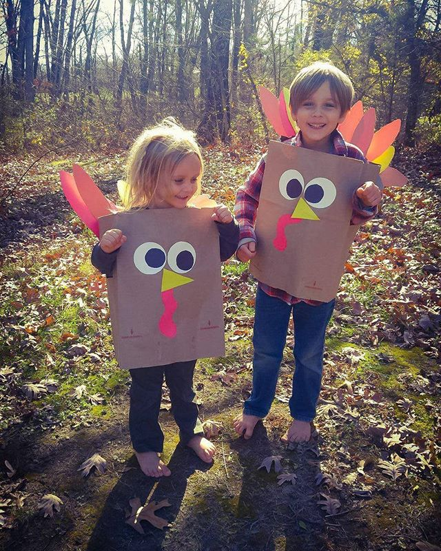 What better way to spend Thanksgiving morning than turning all of the kids into turkeys with these super cute paper bag costumes?  Happy Thanksgiving from our little turkeys!!! #thanksgiving #gobblegobble #diy #turkey #craftymornings