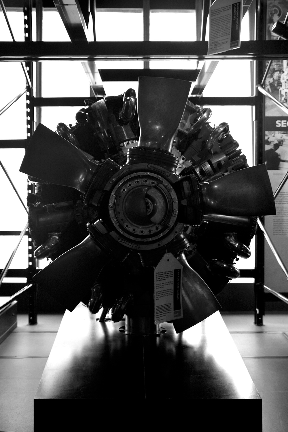 Once I arrived to the airplane engines room, I then realised that I was wasting my time complaining. So I changed my perspective and started to play with these big and complex - not-boring anymore - engines.