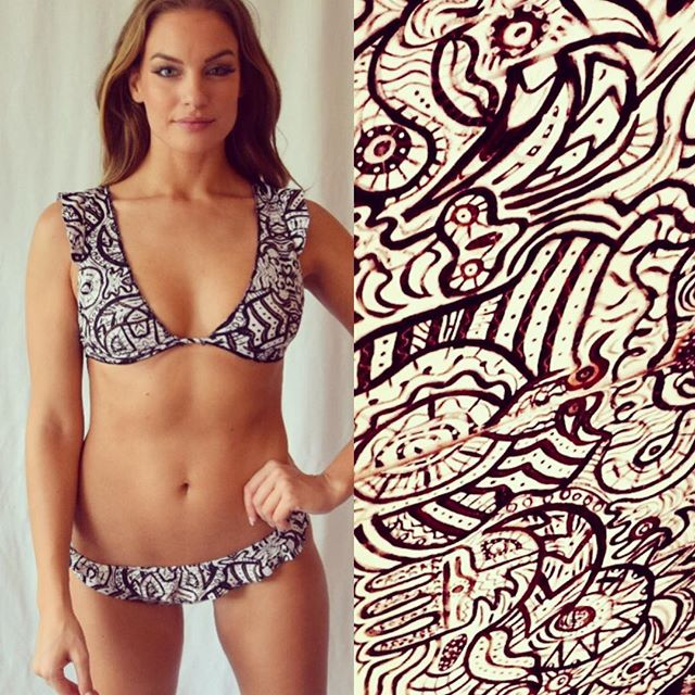 The painting Think with Your Heart by the world renowned artist @weseelawasi is the perfect print for our Espy bikini #inlove SS18 #musthave Lumé is wearable art 🎨 with the world 🌎 in mind
