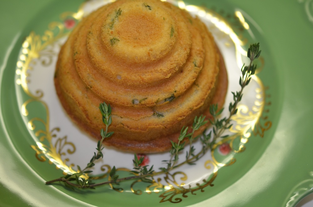 A fresh lemon thyme cake that screams springtime to me