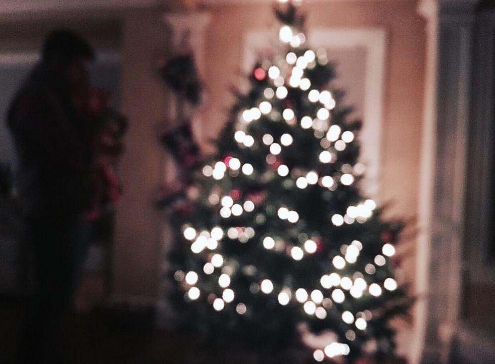 Lilies and Lambs Christmas Tree