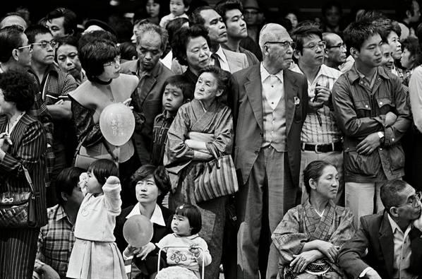 Hiromi Tsuchida, Counting Grains of Sand, Tokyo, 1981