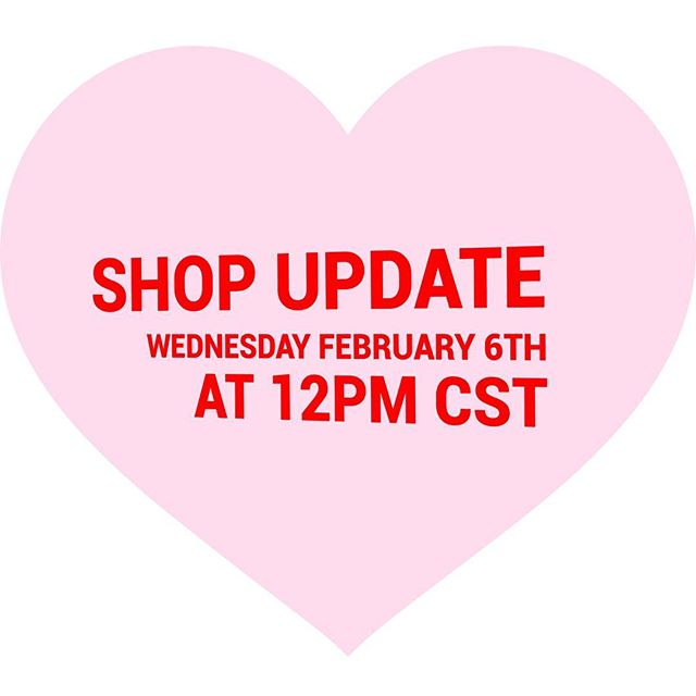 The Valentine's shop update will be this Wednesday the 6th at 12pm CST. I'll have baby snakes, albino bats, and sloths in my shop at minipomme.net (link in profile). Stay tuned in the next couple of days for more pictures! ❤️❤️❤️