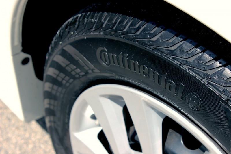 tire-885311_960_720