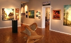 GREENWICH HOUSE GALLERY    Cincinnati's largest Fine Art Gallery located in Historic O'Bryonville
