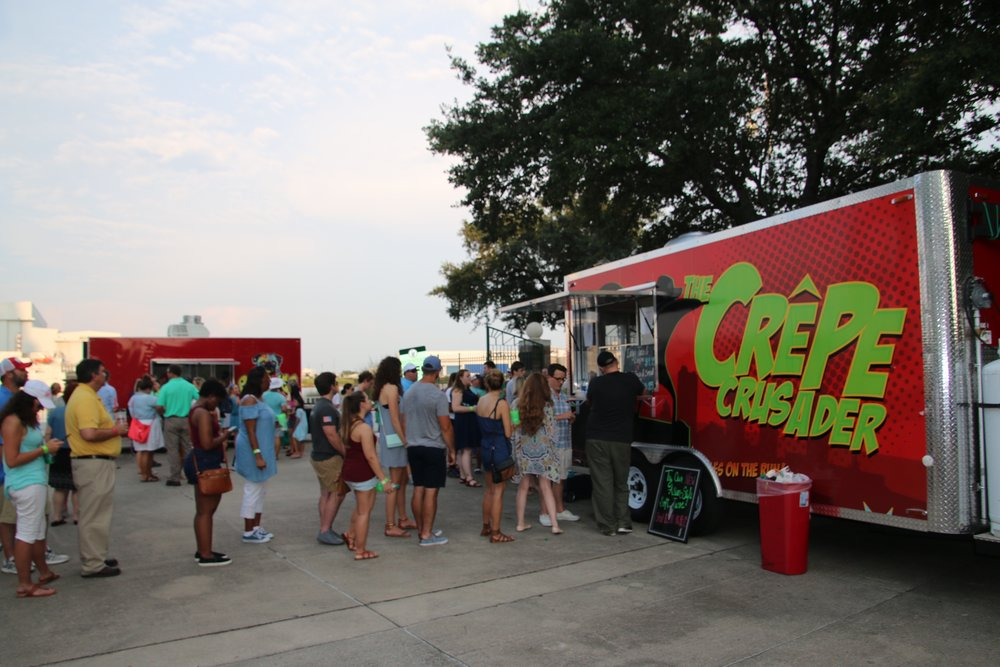 Food Truck Crowds 11.jpg