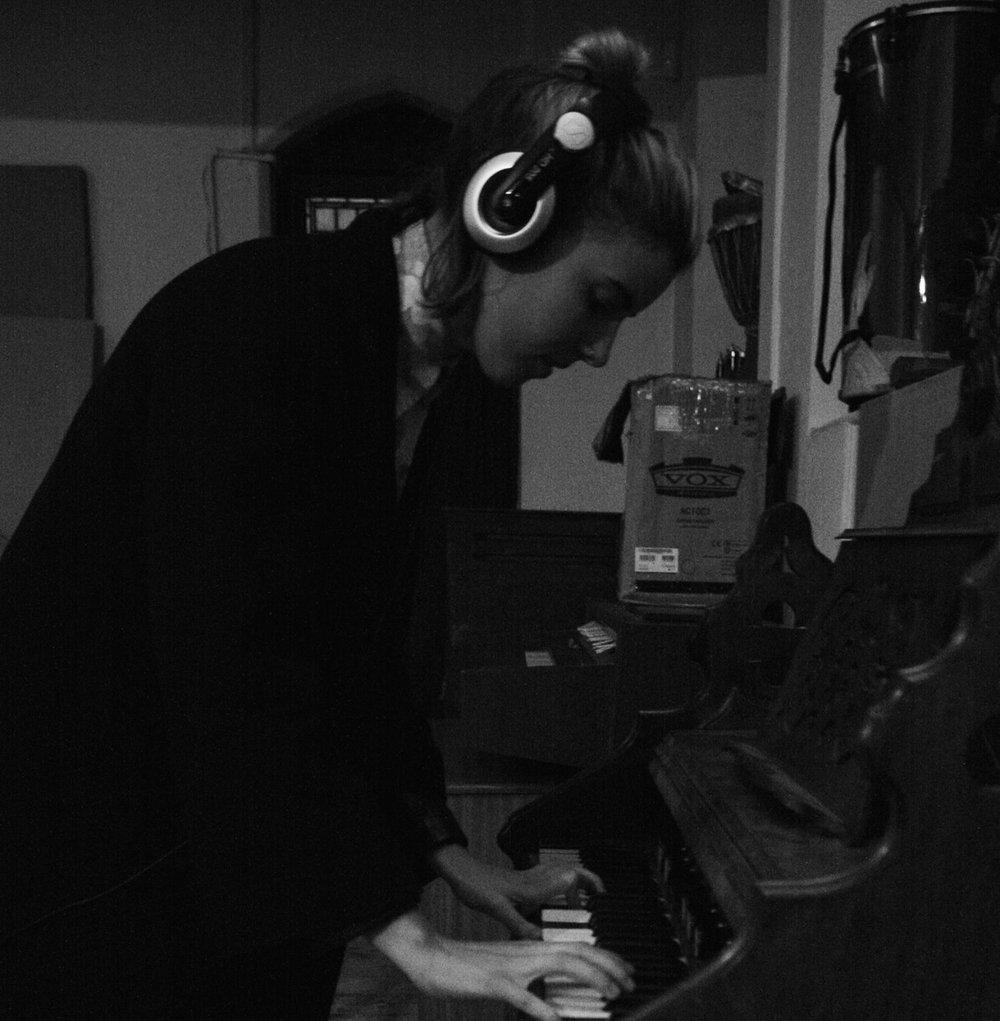 Imogen Mason, Vocals