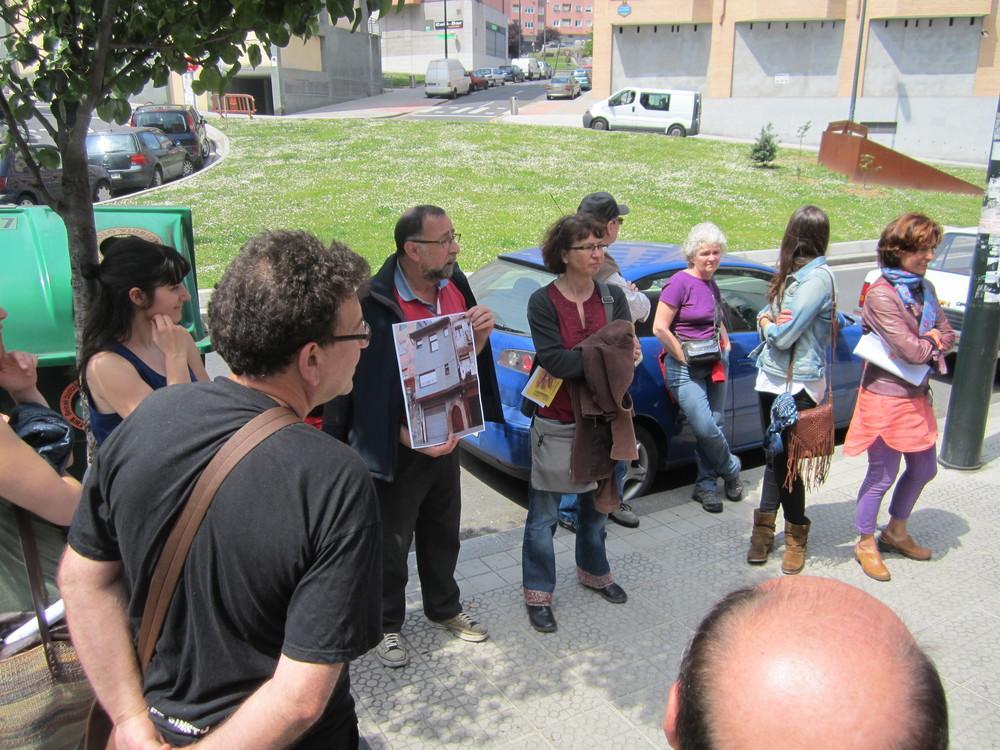 http://janejacobsenbilbao.b.acs.li/2014/05/11/fotos-cronica-grafica-del-paseo-de-jane-jacobs-por-bilbao-el-sabado-10-de-mayo-de-2014-por-atxuri-y-bilbao-la-vieja/