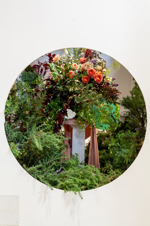 Floribunda-Rose-installation-British-Flowers-Week-2018-at-Garden-Museum-by-New-Covent-Garden-Market (13).jpg