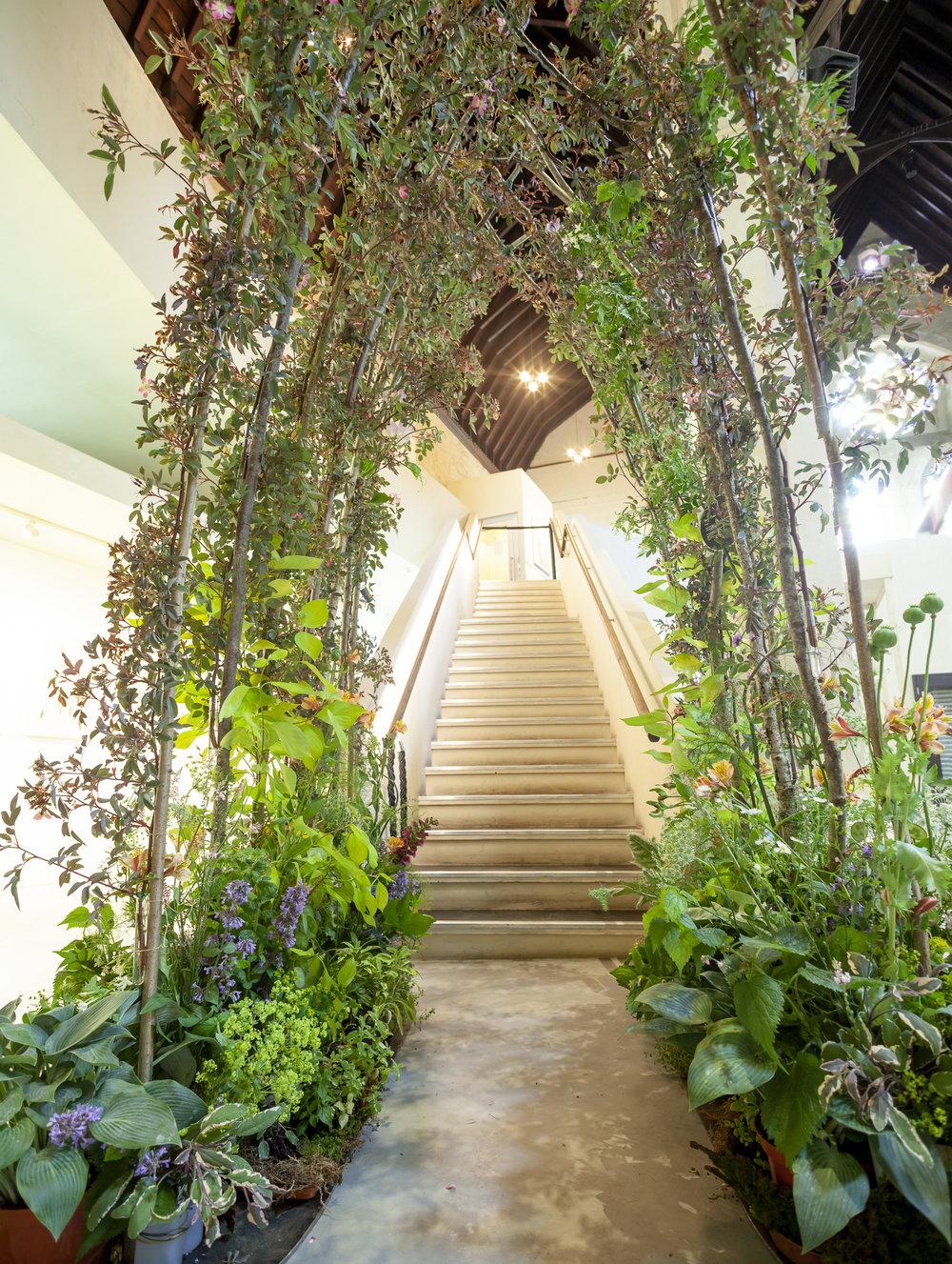 Harrys-Flowers-installation-British-Flowers-Week-2018-at-Garden-Museum-by-New-Covent-Garden-Market (1).jpg