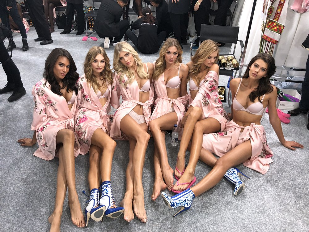 Victoria's Secret Fashion Show, Victoria's Secret, Shanghai 2017, Devon Windsor, Backstage, Cindy Bruna, Georgia Fowler, Nadine Leopold, Megan Williams, Roos, Victoria's Secret Angels