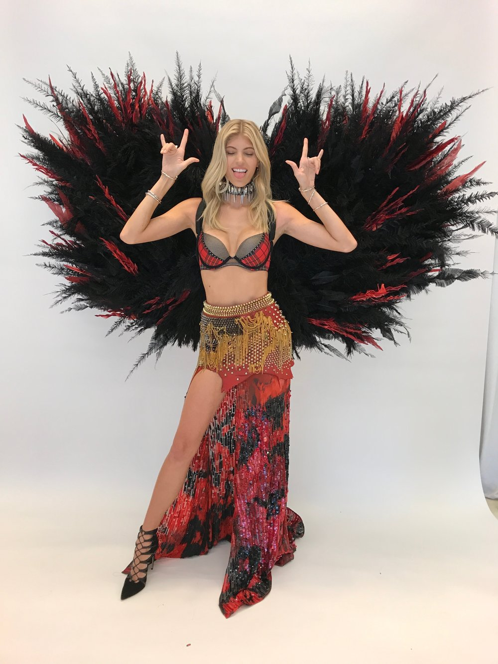 Victoria's Secret Fashion Show, Victoria's Secret, Shanghai 2017, Devon Windsor, Victoria's Secret Angels, Wings, Victoria's Secret Fittings, Punk Angels