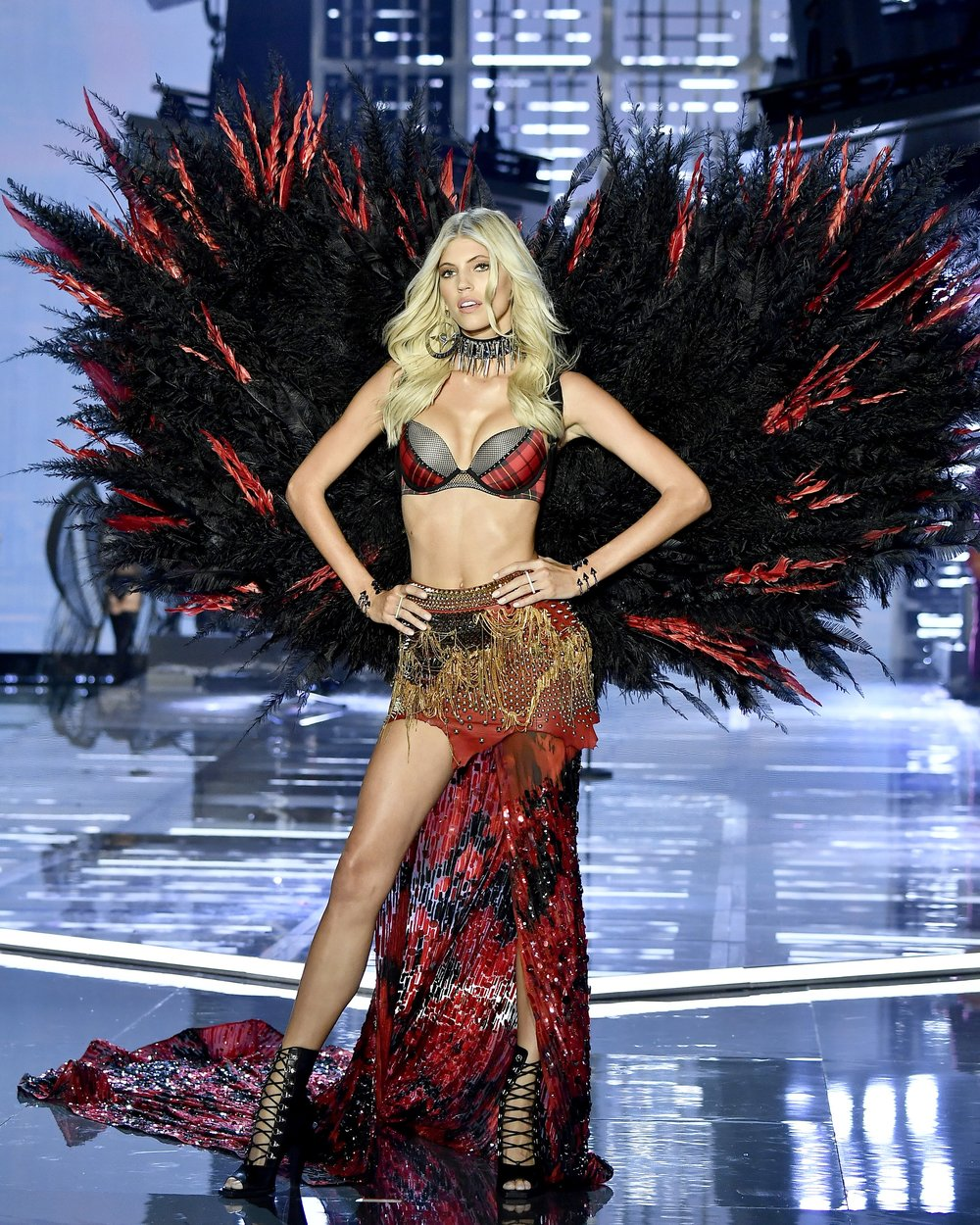 Victoria's Secret Fashion Show, Victoria's Secret, Shanghai 2017, Devon Windsor, Victoria's Secret Angels, Wings, Punk Angels