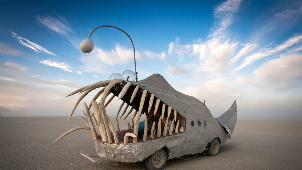 http---cdn.cnn.com-cnnnext-dam-assets-160907084537-burning-man-art-cars-3.jpg