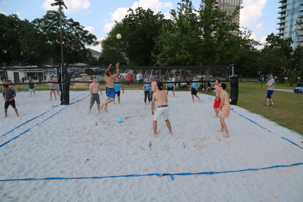 061116 - Broker Volleyball Tournament (28).JPG