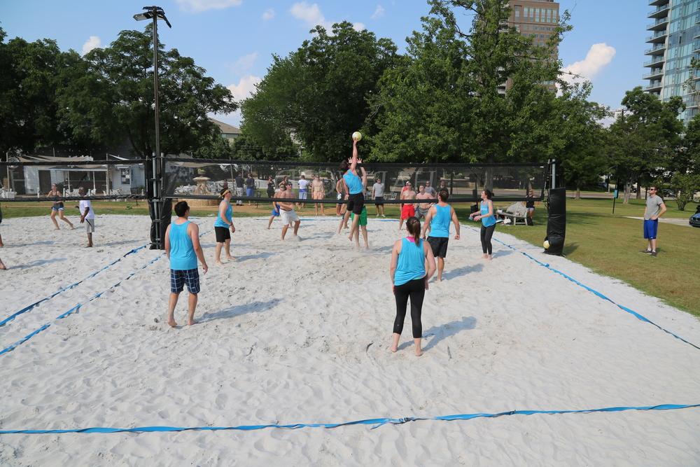 061116 - Broker Volleyball Tournament (214).JPG
